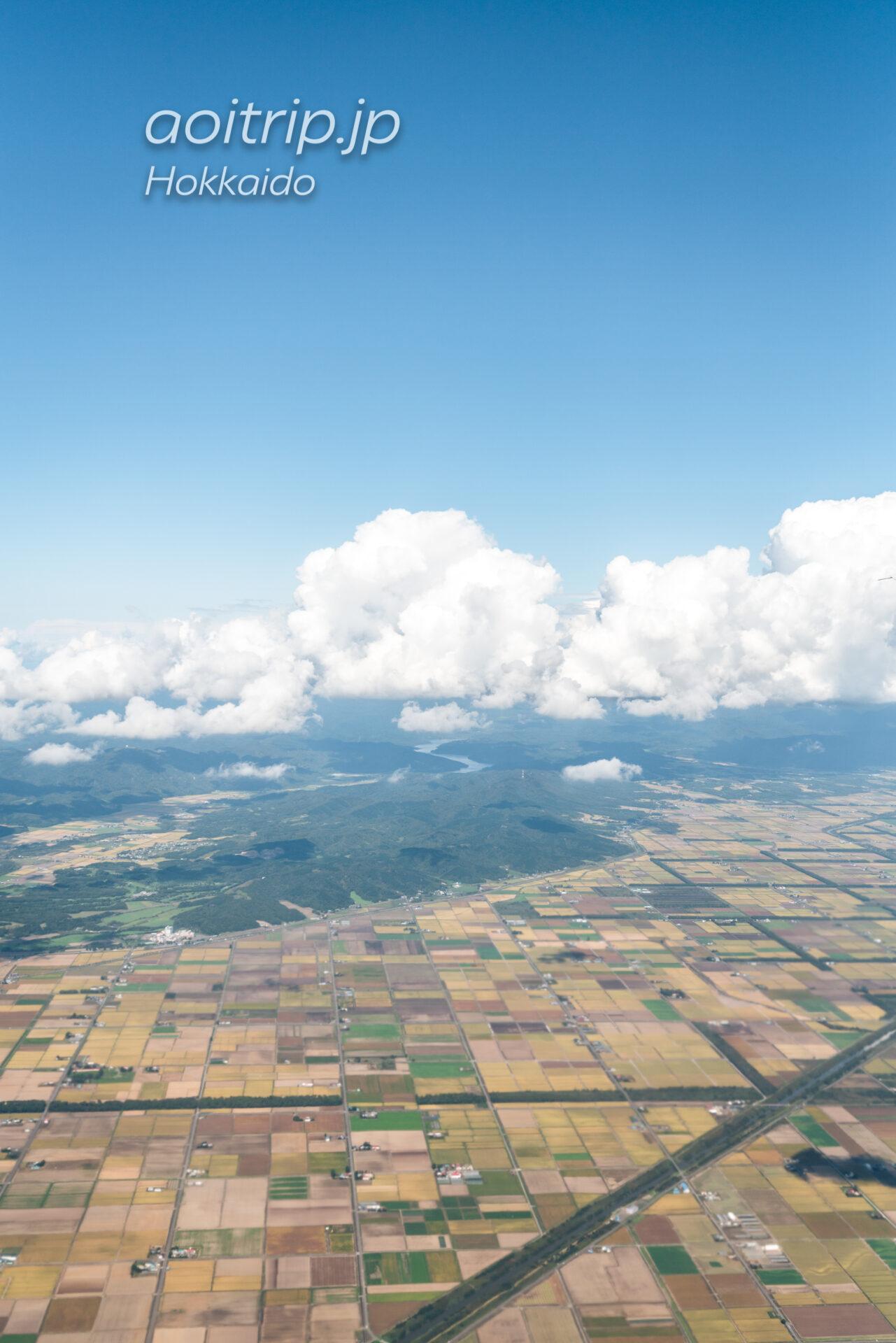 丘珠空港を出発した機内から当別ふくろう湖を望む