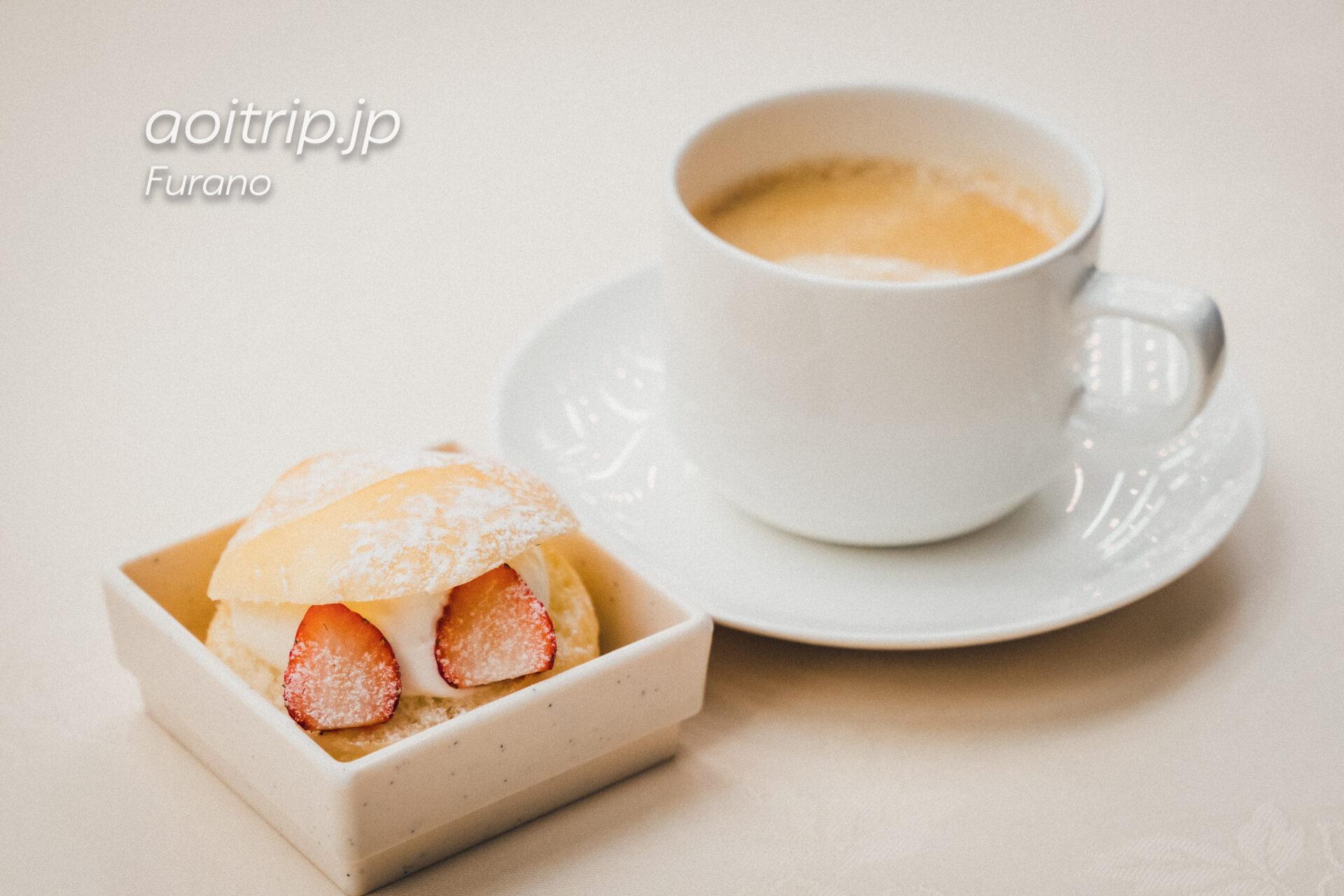 新富良野プリンスホテルの朝食 スイーツは富良野産小麦&ふらの牛乳を使ったマリトッツォ