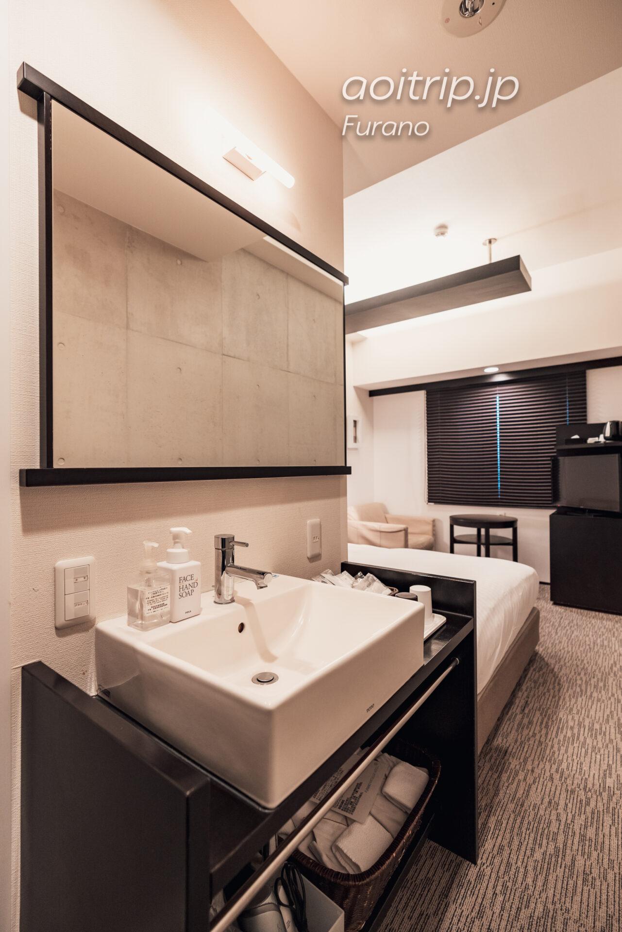 富良野ナチュラクスホテルの洗面台